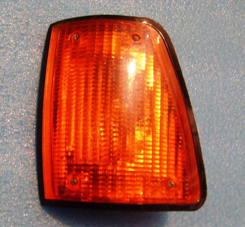 Указатель поворота ГАЗ-3102,КАМАЗ-4308 левый передний ОСВАР