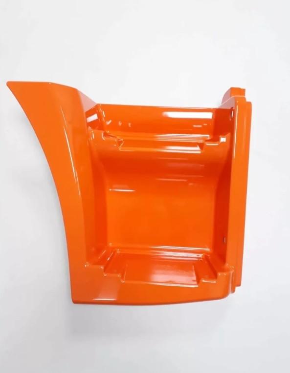 Щиток КАМАЗ-65115 подножки правый (рестайлинг) (оранжевый) ОАО РИАТ